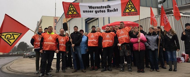 Warnstreik in Mühlhausen (Foto: IG Metall)